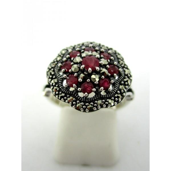 Magnifique Bague ronde vintage en argent et rubis