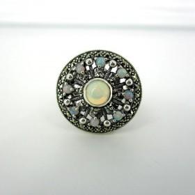 Bague vintage en argent et opales