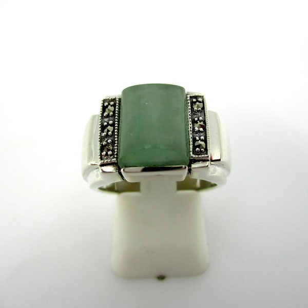 Bague tank en argent et jade vert