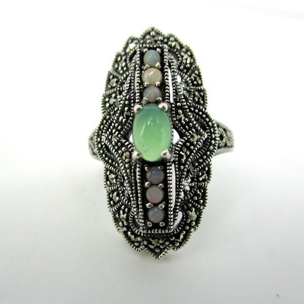 Bague en argent et opale verte