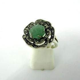 Bague fleur en jade