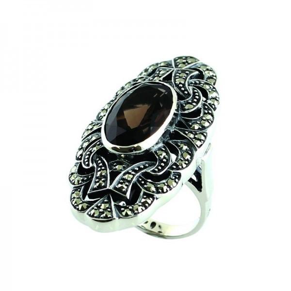 Bague style ancien ovale en argent et quartz fumé