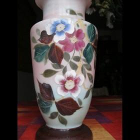 Vase en opaline peint à la main